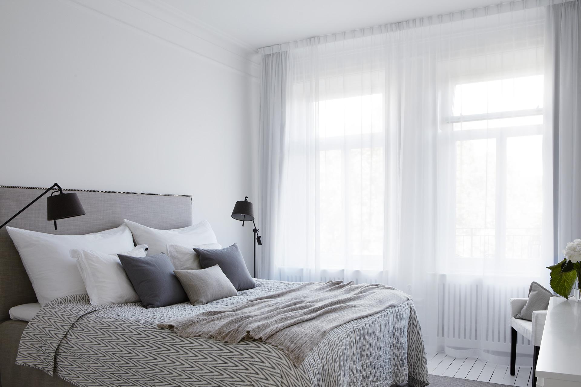 inreda grått sovrum
